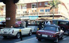 Exposición y carrera de autos clásicos en Punta del Este