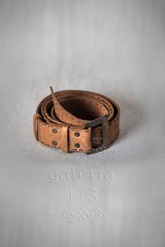 Curea   dama din piele naturala, lucrata manual,   cu catarama antichizata din   metal subtire. Lata de 3,5 cm si groasa de 1,5mm. Bracelets, Leather, Jewelry, Fashion, Moda, Jewlery, Bijoux, La Mode, Jewerly