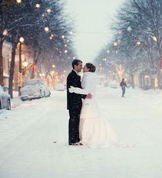 xmas, snowy wedding