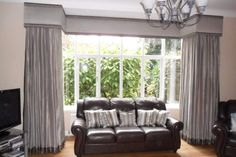 Dress your large square bay window with a simple but stylish curtain pelmet. This has contrasting fabric panels top and bottom to add interest. Bay Window Curtains Living Room, Bow Window Curtains, Curtain Pelmet, Dining Room Windows, Living Room Blinds, Curtains With Blinds, My Living Room, Lounge Curtains, Cornice Box