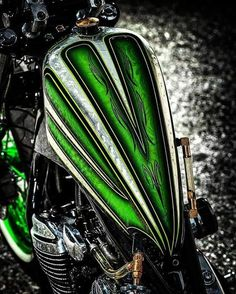 Custom Motorcycle Paint Jobs, Custom Paint Jobs, Motorcycle Tank, Motorcycle Design, Pinstripe Art, Air Brush Painting, Tank Design, Custom Harleys, Airbrush Art