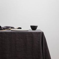 TABLE CLOTH   black linen by Cultiver