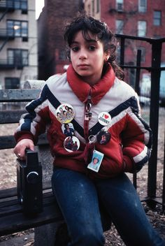 Arlene Gottfried, a native New Yorker, grew up side-by-side with the burgeoning Puerto Rican community, never straying far from its influence whether living in Brooklyn or the Lower East Side. Hip Hop Fashion, 80s Fashion, Vintage Fashion, Urban Fashion, Film Photography, Street Photography, Erika Bowes, Wild Style, My Style