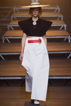 Jacquemus Spring 2017 Ready-to-Wear Collection - Vogue