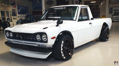'74 Datsun Sunny Pickup w/ 09racing dry-carbon Hakosuka conversion.