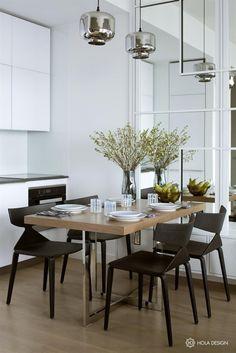 Wohnzimmer im Landhausstil einrichten, Holztisch und Boden ...