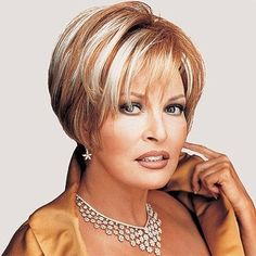 Raquel Welch No Makeup Related Keywords & Suggestions - Raquel Welch No Makeup Long Tail Keywords Shaggy Bob Hairstyles, Bob Hairstyles For Fine Hair, Thin Hair Haircuts, Wig Hairstyles, Short Choppy Hair, Short Grey Hair, Short Hair With Layers, Short Hair Cuts, Wigs For Cancer Patients