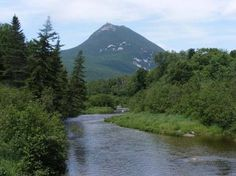 May 2019 - This park features Mount Katahdin, the largest mountain in Maine, and where you might also catch sight of a moose. Camping In Maine, Camping Spots, Best Places To Camp, Places To Go, State Parks, Baxter State Park, Mount Desert Island, Best Campgrounds, Wilderness Survival