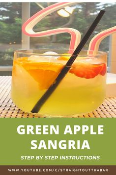 Delicious Green Apple Sangria Recipe! This a great fall, late summer sangria recipe, that is sweet, and tart! Apple Sangria, Summer Sangria, Peach Sangria, Summer Cocktails, Cocktail Recipes For A Crowd, Food For A Crowd, Sangria Recipes, Late Summer, Party Stuff