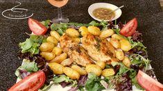 Dégustons aujourd'hui une recette simple mais typée, avec du caractère. Elle est d'inspiration Espagnole et composée de poulet moelleux et pommes de terre fondantes cuites au four. Elle plaira donc au plus grand nombre. La sauce à l'ail pour la viande...