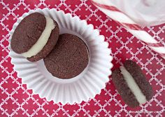 Chocolate Peppermint Sandwich Cookies (Paleo, Vegan, Grain Free) by The Urban Poser
