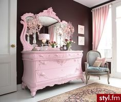 .Beautiful victorian dresser