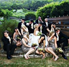 15 of the most awesome bridal party poses.