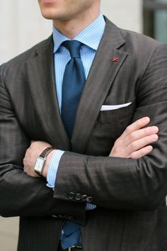 Make no doubt, you'll look really dapper in a charcoal suit and a light blue vertical striped dress shirt. Dress Shirt And Tie, Suit And Tie, Gq Style, Style Blog, Sharp Dressed Man, Well Dressed Men, Classic Men, Classic Style, Charcoal Suit