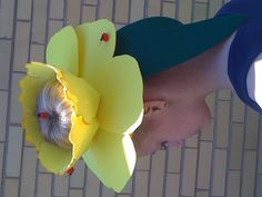 Fun with Easter Bonnets – The Lone Girl in a Crowd Easter Hat Parade, Daffodil Day, Easter Egg Basket, Easter Activities, Holiday Pictures, Easter Crafts, Easter Ideas, Crafts To Do, Diy Crafts