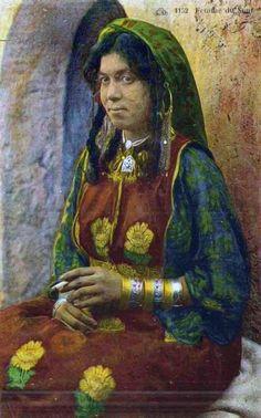 Africa | Souf woman. Algeria || Vintage postcard.