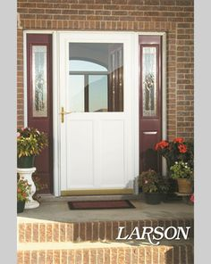 A LARSON storm door with a hidden retractable screen offers maximum ventilation to reduce heating and cooling needs. This white highview Screen Away storm door also provides great durability. #LARSONdoors #StormDoors