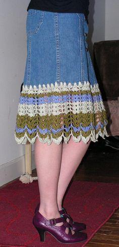 saia jeans com barra de crochê