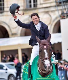 El jinete brasileño Pedro Veniss mantuvo su liderato del Ranking Latino por segundo mes consecutivo, acumulando resultados muy interesantes durante el mes de Julio.