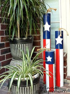 10 Cute DIY Patriotic Outdoor Decorations | These 10 cute patriotic outdoor decorations ideas will turn your ordinary yard or front porch into the festive place to be!