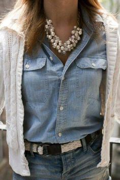 Boormanie Shell Layered Necklace for Women Girls,Boho Hawaii Wakiki Sea Beach Shell Choker Collar Layer Conch Shell Necklace Gold - Jeans-Look - Denim Mode Outfits, Fall Outfits, Casual Outfits, Fashion Outfits, Fashion Mode, Look Fashion, Winter Fashion, Petite Fashion, Mens Fashion