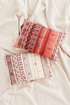 Summer bedroom style or beachhouse cute cushions. Click for more info and shop!