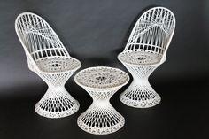 RUSSEL WOODARD  spun FIBERGLASS 2 patio chairs 1 by VINTAGELAMPDEN