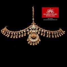 Borla with Side strings in Kundans Tika Jewelry, Headpiece Jewelry, Jewelry Design Earrings, Gold Earrings Designs, Gold Jewellery Design, Necklace Designs, Bridal Jewelry, Gold Jewelry, Gold Necklace