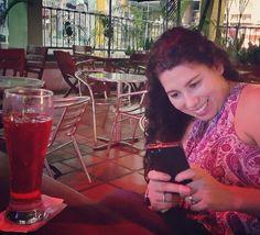 Beber un cóctelito en la #oficina !? Jamás!... A menos que trabajes para tu #proyectonline donde eres tu propio jefe  manejando tus horarios y obteniendo resultados que puedes estar chequeando desde tu #smartphone #megustaloquehago #conecta2enlared #pasionporlalibertad