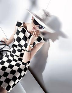 Kleid im Schachbrettdessin in der Farbe schwarz / weiß - weiß, schwarz - im MADELEINE Mode Onlineshop
