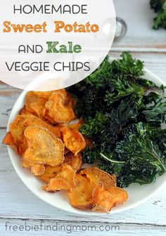Homemade Sweet Potato and Kale Veggie Chips - Finding delicious and healthy foods can be a challenge, but these homemade veggie chips are loaded with flavor and packed with nutrients making them the perfect summer food.