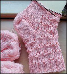 Crochet Patterns Socks Fido: Eukalytus (Finnish manual, but with scheme) 8 . Knitting Socks, Baby Knitting, Crochet Slippers, Knit Crochet, Knitting Patterns, Crochet Patterns, Little Cotton Rabbits, Patterned Socks, Knitting Videos