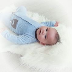 Smelter mitt hjerte hver dag  #baby #babyboy #guttenmin #growing #4months #proud #happiness #cute #inlove #babyclothes #kidsclothes #barneklær #barnkläder #barn #fashion #hustandclaire #motherslove #motherhood #hverdagsglimt #hverdagsliv #smågleder #småbarnsliv #family #familie