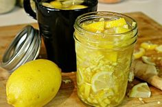 This Honey Lemon, and Ginger Tea is an excellent cold and flu remedy for this time of year. Flu Remedies, Natural Remedies, Cardiac Diet, Detoxify Your Body, Nutrition, Ginger Tea, Honey Lemon, Burn Belly Fat, Creative Food