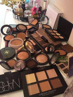 kimdevillebeauty:  Beauty Blog. All things makeup!
