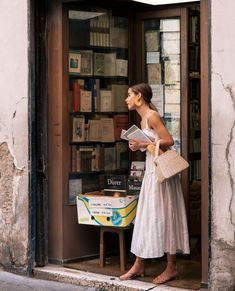 My Roman Holiday + To Do's - The Style Bungalow Italian Women Style, Style Parisienne, Pret A Porter Feminin, Jolie Photo, Lookbook, Spring Summer Fashion, Italian Summer Fashion, Italian Style Fashion, Italian Fashion Designers