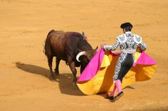 #Spain's Famous Pamplona Bull Run #Festival, a nine day long festival of religious parades, unlimited drinking and #race, begins Today on July 6.
