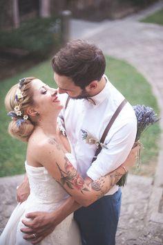 Lavanda e margherite per un matrimonio rustico | Rustic wedding with lavender and daisies http://weddingwonderland.it/2016/01/lavanda-margherite-per-un-matrimonio-rustico.html