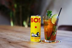 At BOS we believe that healthy should be fun. That's why we make refreshing ice tea with organic rooibos and natural fruit flavours. Sports Drink, Iced Tea, Energy Drinks, Pint Glass, Lemon, Fruit, Tableware, Stuff To Buy, Dinnerware