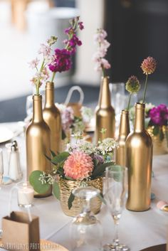 Wedding Table Centerpieces Diy Gold New Ideas Gold Wedding Decorations, Bridal Shower Decorations, Flower Decorations, Table Decorations, Wine Bottle Centerpieces, Wedding Table Centerpieces, Budget Wedding, Diy Wedding, Wedding Ideas
