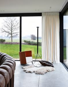 Frederic Hooft has a nice portfolio and house number 91 one caught my attention. These interiors have a some what Scandinavian feel to them.