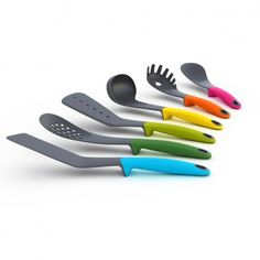 elevated utensils - keeps tools from touching coutertops
