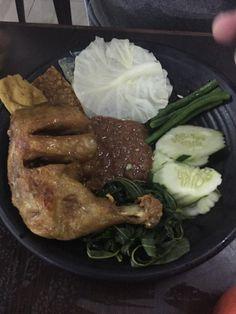 Lalapan chicken at the Muara Restaurant, Miri, Malaysia