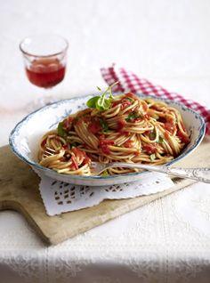 Unser beliebtes Rezept für Spaghetti all'arrabbiata und mehr als 55.000 weitere kostenlose Rezepte auf LECKER.de.