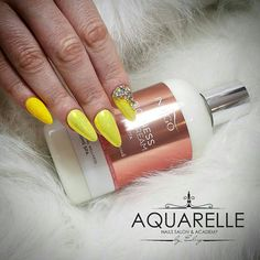 Hello Yellow. This summer is about sun, light and yellow nails🌻🍋🍍🌞