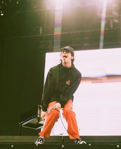 random aesthetically pleasing photos from tour by and The 1975 Tour, The 1975 Wallpaper, The 1975 Matthew Healy, Beautiful Babies, Beautiful People, Bad Songs, Mitch Lucker, Matty Healy, Tonight Alive