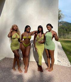 Beautiful Black Girl, Pretty Black Girls, Black Girl Fashion, Look Fashion, Mode Outfits, Girl Outfits, Pretty People, Beautiful People, Vintage Outfits