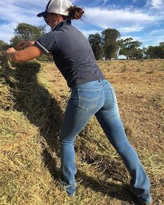 working the field in our new womans Katherine Cowgirl light wash jeans. These jeans come in Regular and Long lengths and and also come in three colours. Shop link in bio www. Cowgirl Style Outfits, Country Girls Outfits, Western Outfits, Cowgirl Fashion, Western Dresses, Emo Fashion, Cowgirl Jeans, Cowgirl Tuff, Cowgirl Clothing