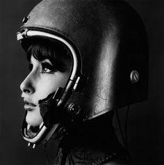 A photograph by Art Kane - Fashion (1962) - Astronaut