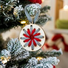 Handcrafted Christmas tree decorations with wood and wool https://www.woolcouturecompany.com/product-category/diy-kit/weaving/ #peace #christmas #decorations #ornaments #tree #garland #yarn #wool #handmade #weaving #woven #DIYcrafts #lovewool #yarnlove #snowflake
